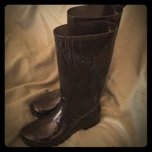 Shoes - Black glitter rain boots barely used